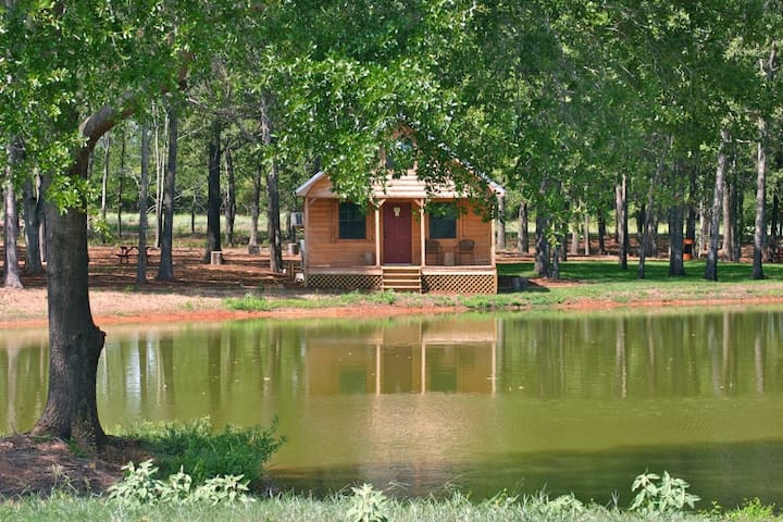 Bugscuffle Inn Cabin 1 - Cushing - Casa de campo