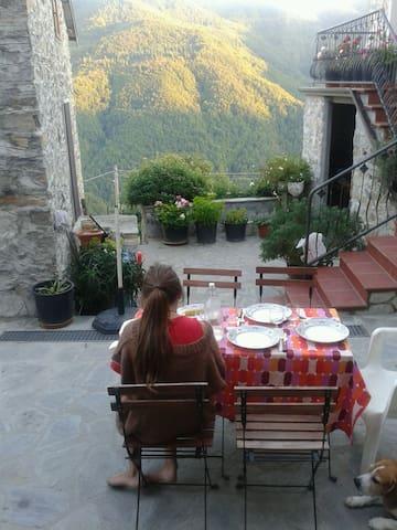 Rustico in piccolo  borgo  - Prota - Casa