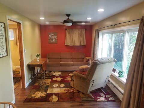 Guest Suite in Secluded Setting (NW Muncie)