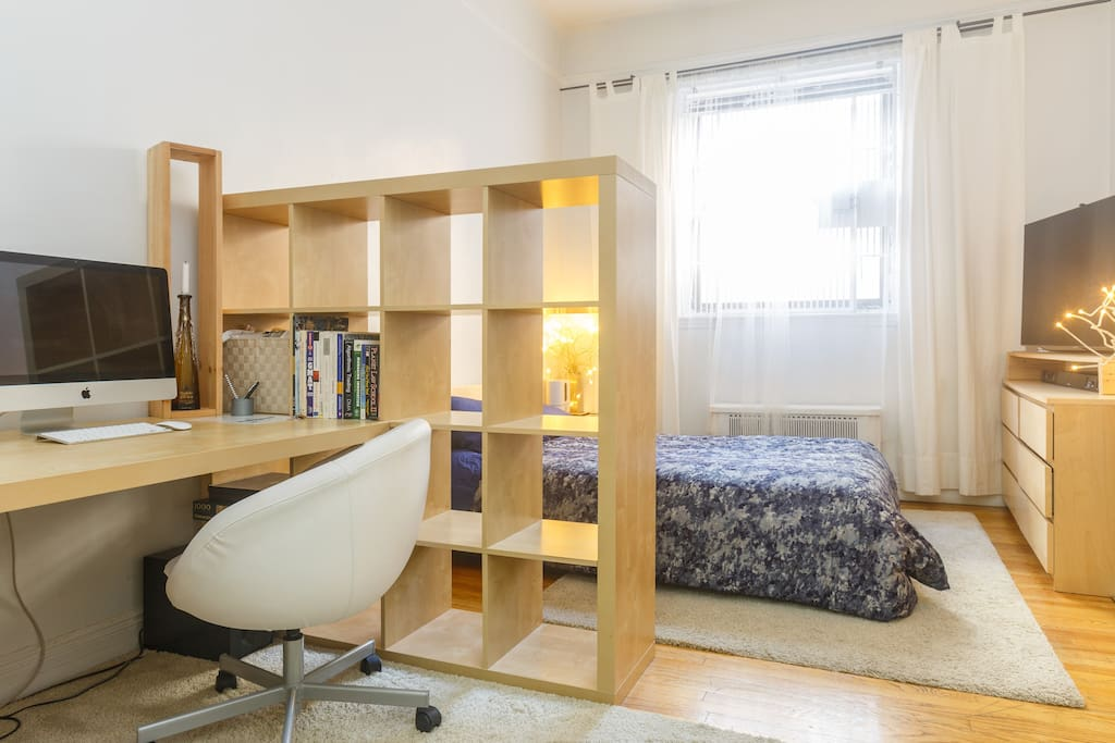 Office space for guest's to use.