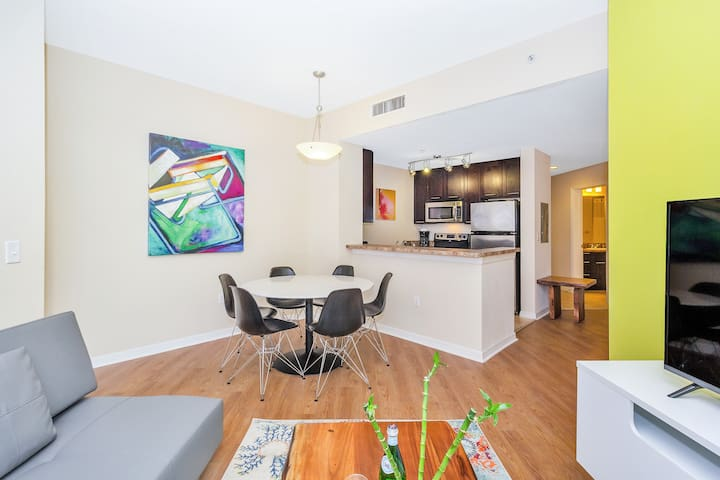 Dharma | Coral Gables | Amazing 2B + FREE PARKING