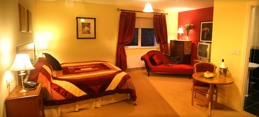 Luxury Room in 4* Guesthouse - Donegal - Bed & Breakfast