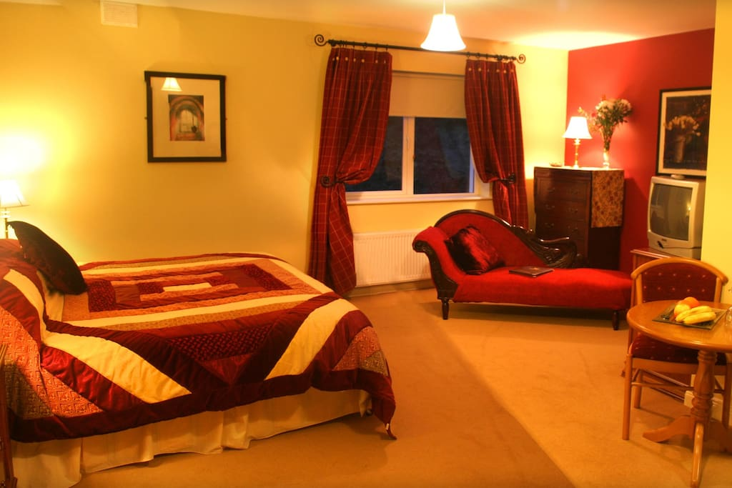 luxury room in 4 guesthouse chambres d 39 h tes louer donegal donegal irlande. Black Bedroom Furniture Sets. Home Design Ideas