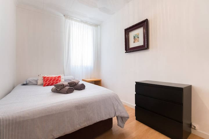 Cosy Double Room in Barceloneta