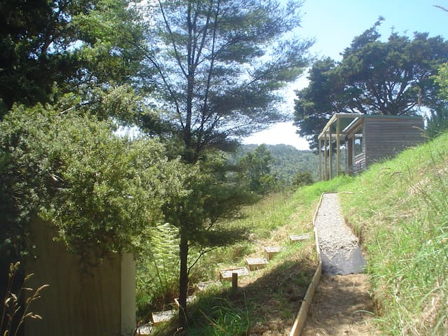 Totara Lodge Eco Cabin at Bethells  - Waitakere - Cabin