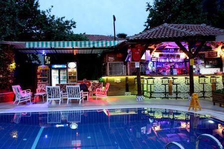 Majestic Hotel Oludeniz Double/Twin Room - Ölüdeniz Belediyesi - Bed & Breakfast