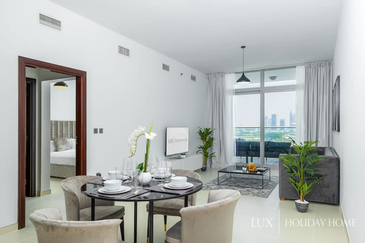 LUX   Living and dining room