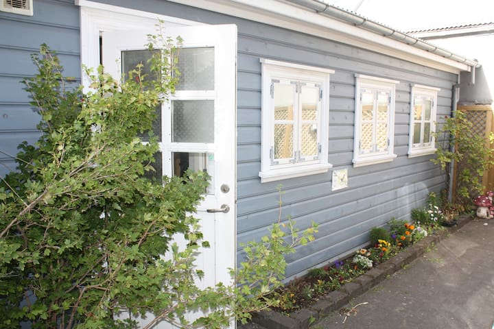 Cozy private little house in central Reykjavik♥♥♥♥