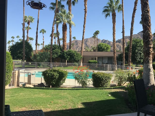 Desert oasis in beautiful Indian Wells CC