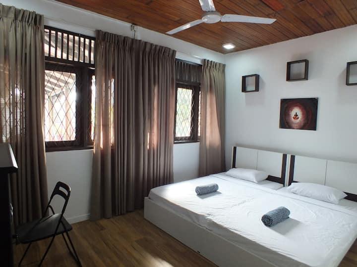 Budget Double Room - Drop Inn Colombo