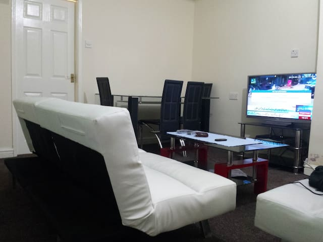 Single Bed, Near to Manchester University & center - Manchester - Rumah
