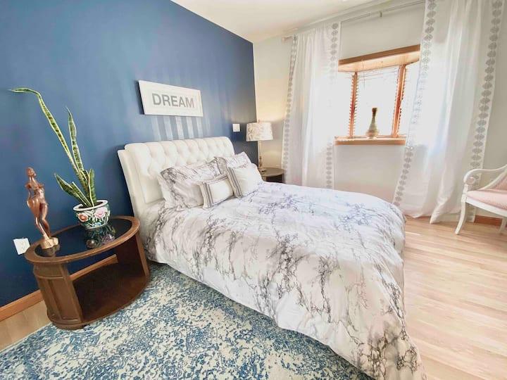 ★ The Modern Luxury Room w/ Jacuzzi  near Boston ★