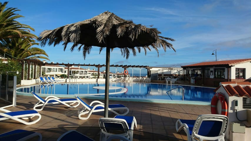 Nice Apart golf course with terrace, pool,internet - Amarilla Golf - Byt
