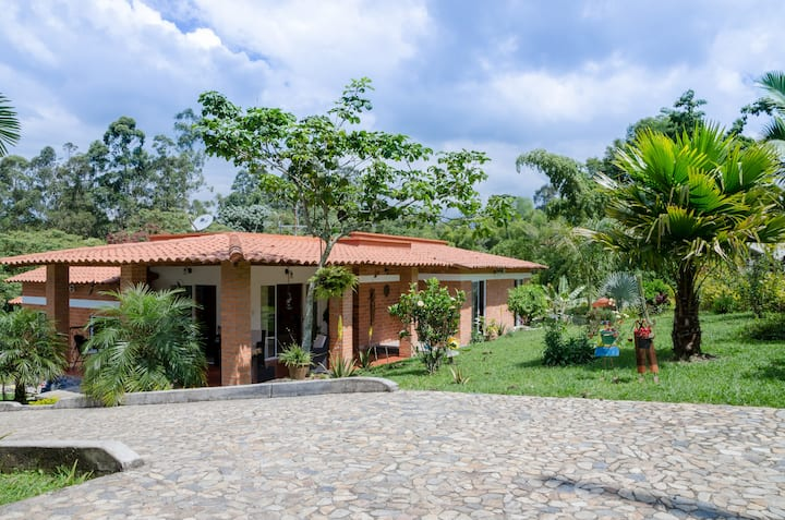 Modern Villa/Finca in coffee region