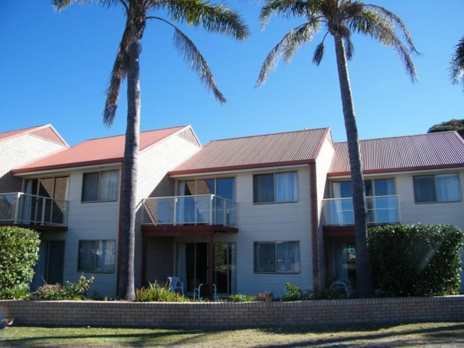 2 Bedroom Apartment Close To Tathra Beach Apartments For Rent In Tathra New South Wales