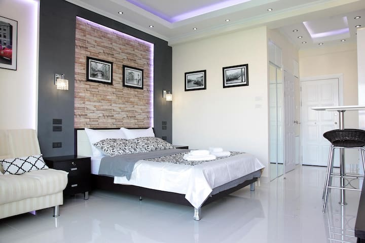 Deluxe room 250 meters to the beach 7/09 - Паттайя - Apartamento