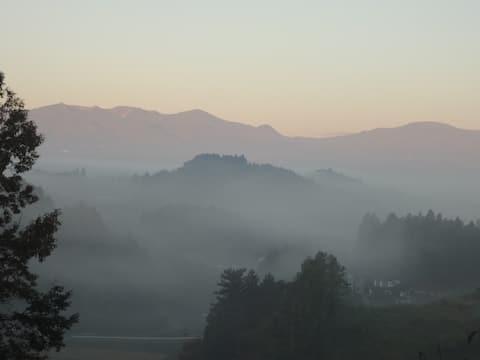 安達太良山から吾妻連峰まで眺めら、季節によってはキレイな雲海も見られるかも!