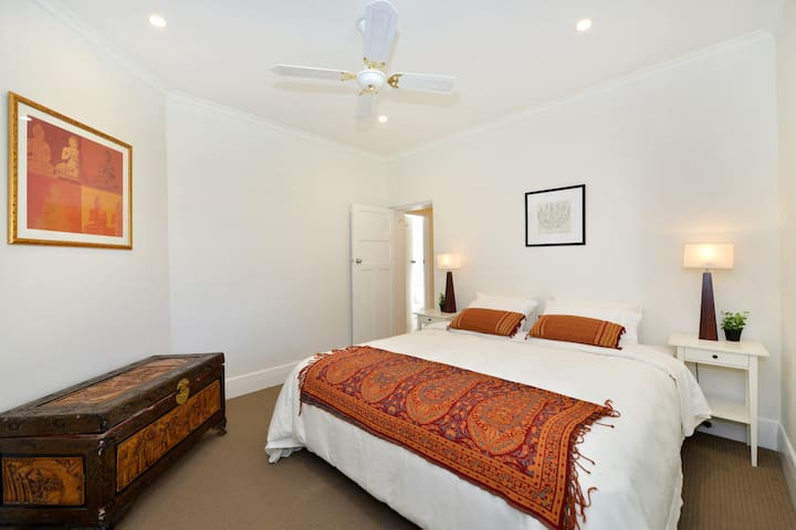 Bedroom 1:  king bed can be split into single beds. own ensuite and toilet - built in robes