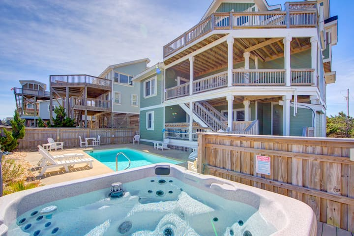 🏖️Luxury Waves Oceanfront w/ Elevator, Heated Private Pool, Hot Tub 🌊