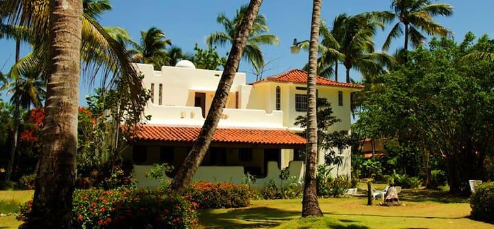 Villa directly on las ballenas beach