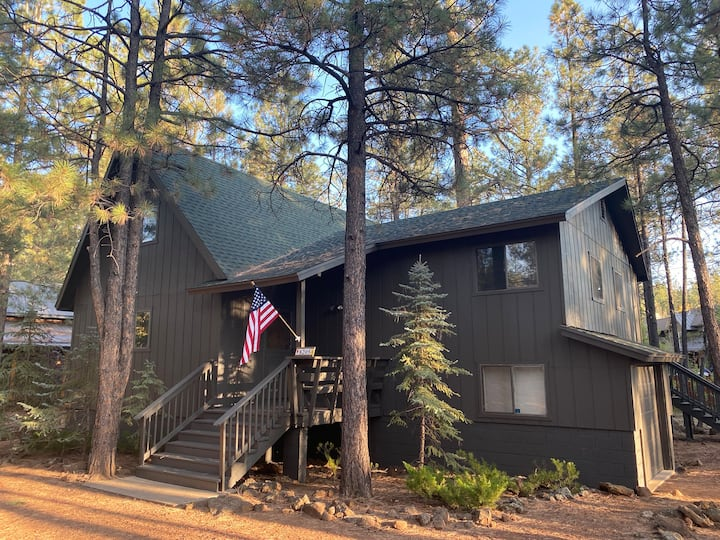 Renovated Cabin located in Pinetop Country Club