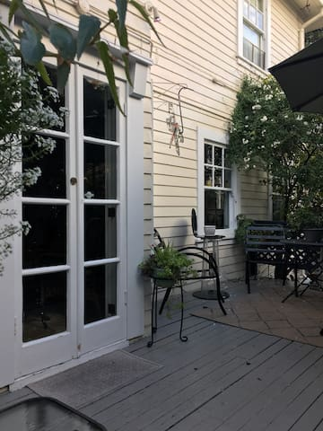 Charming Garden Studio with Private Deck - Berkeley - House