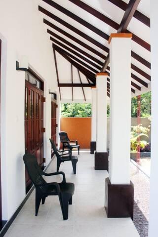 Porch - Terrazza d'ingresso