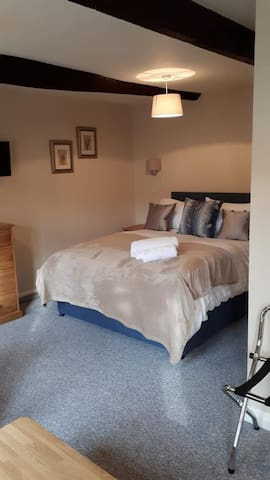 Dragonfly deluxe room @ The Clifden Arms