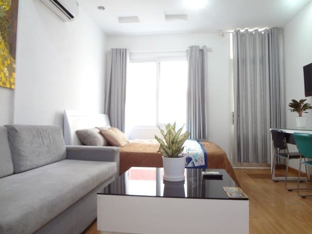 Studio apartment right in D 1 Ben Thanh Market