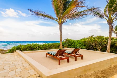 Breathtaking Oceanfront 4BR Villa, Dream Vacation!