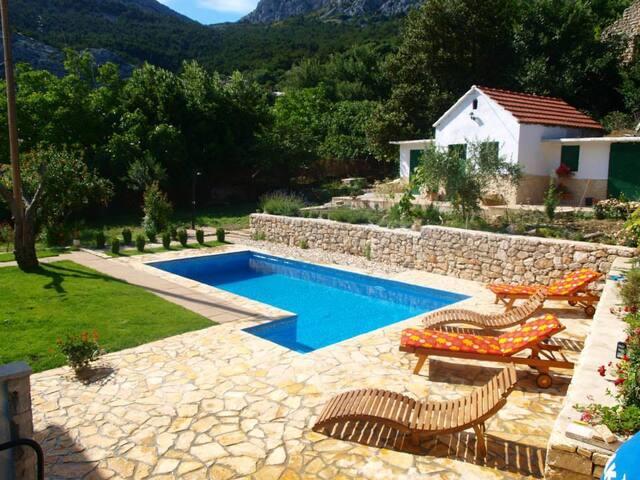 Villa Ante with pool Klis - Split - Lejlighed