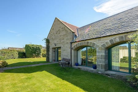Beautiful 4 Bedroom House on Scotland's Golf Coast
