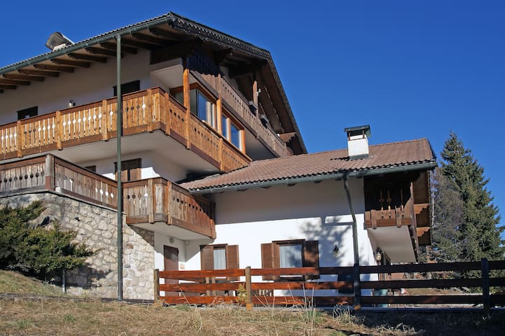 Accogliente chalet, grandiosa vista - Vigo di Fassa - Casa