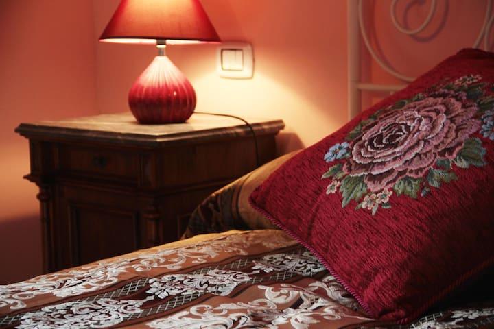Accogliente camera con balcone - Monte Porzio