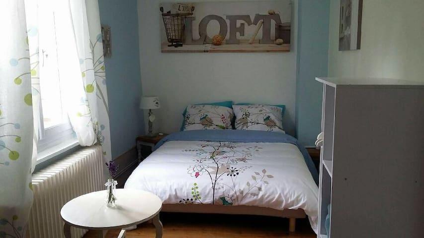 Chambre bleue... - Acheux-en-Amiénois - Huis