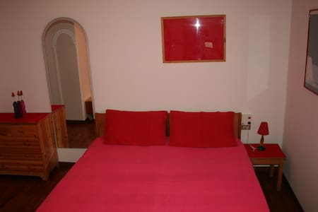 Red room in villa  - Cavenago di Brianza
