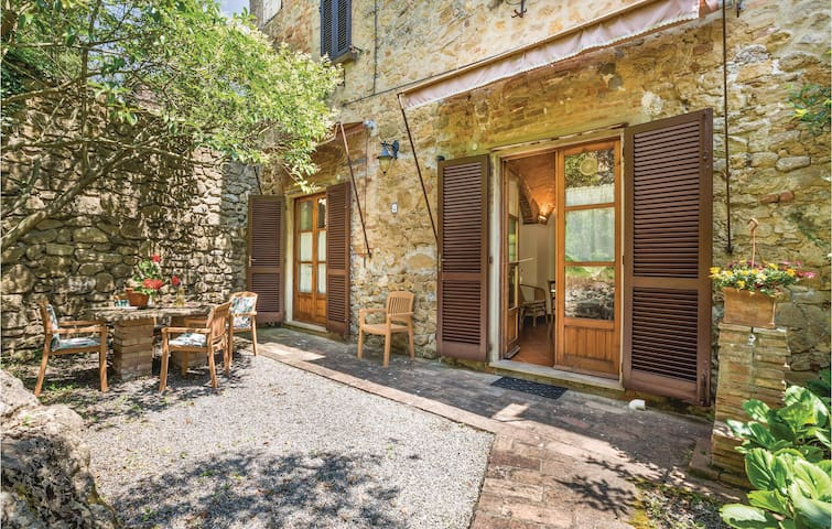 Holiday apartment with 2 bedrooms on 50m² in Volterra (PI)