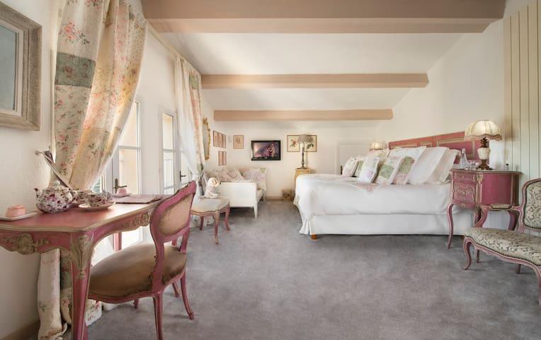 La Chambre Rose (double avec sdb) - Biot - Huis