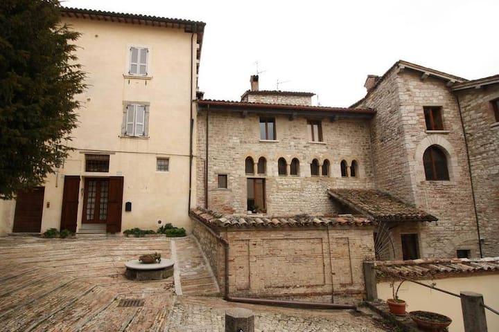 An ancient Villa in Gubbio - Gubbio - Appartement