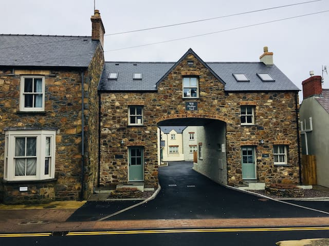 Unique space in the heart of Newport, Pembs