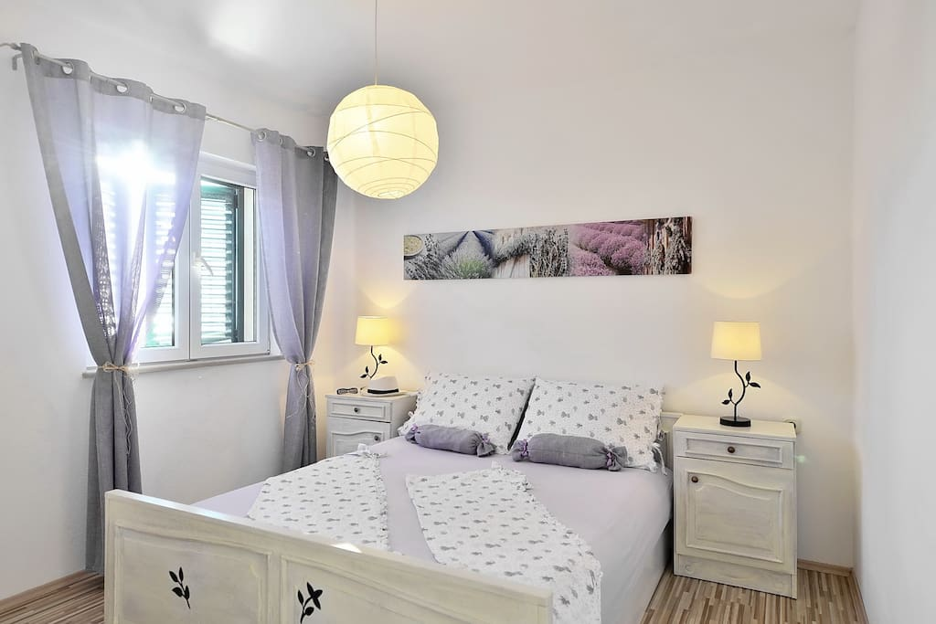 Studio Apartment (for 2 persons) - king sized bed