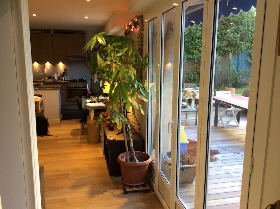 appartement donnant sur la terrasse et jardin