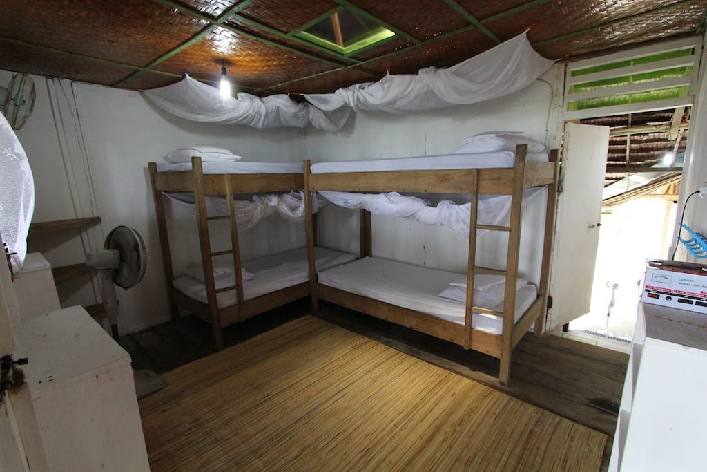 4 person bunk room.
