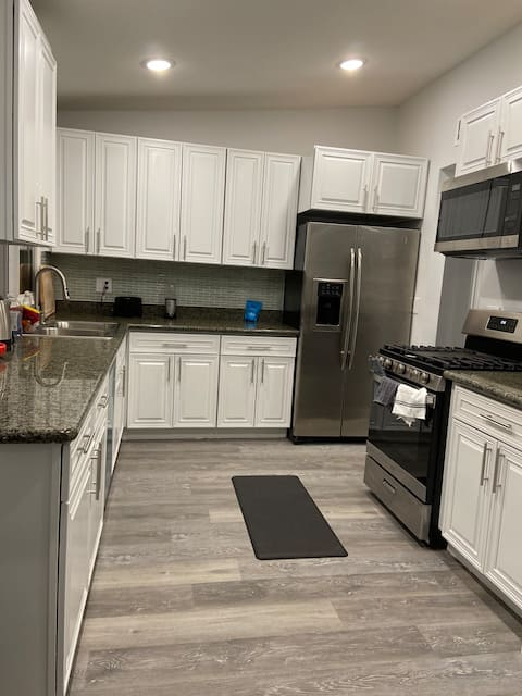 Lovely room 3 near Vegas strip and Fremont st!