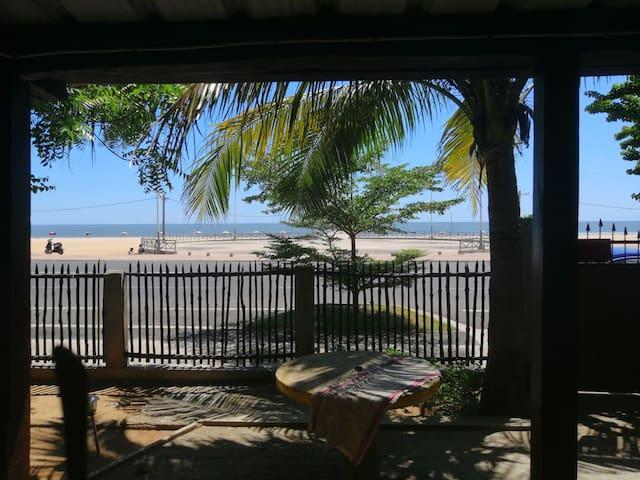 """"""" Maison Rica """" davanti la spiaggia"""