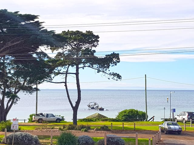 Charming Beachfront Home, Breathtaking Views