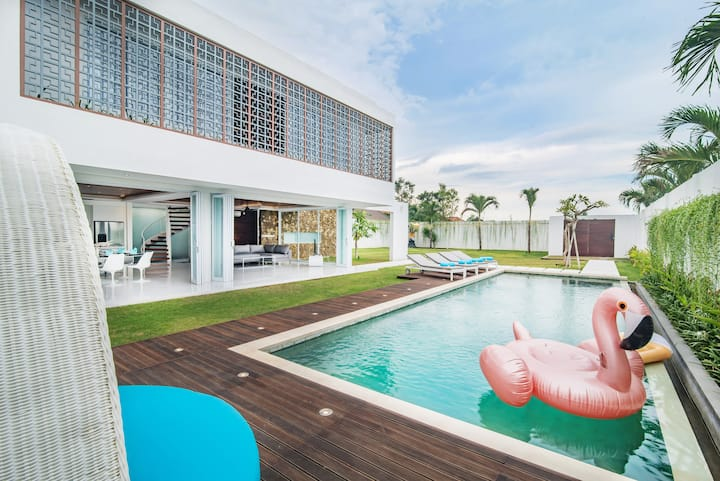 Modern, Luxury and Breathable Villa in Seminyak