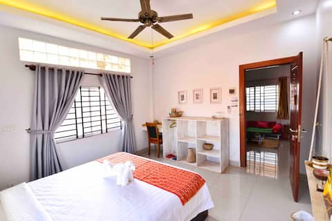 Beautiful villa AC Room#1, living,dining,pickup