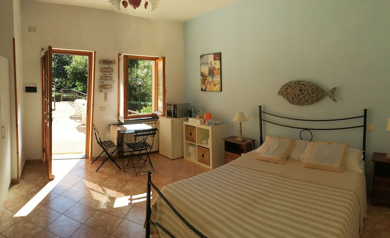 Double bedroom with garden - GuestHouse Angela