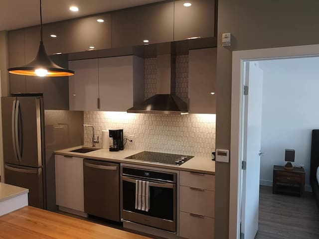Bright and new 1 BR + Gym in Winnipeg